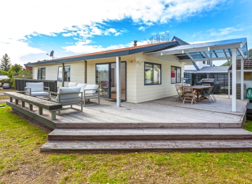 Say Hello to Beach Life NEW LISTING OPEN HOME SAT / SUN JULY 11AM - 11.45 AM